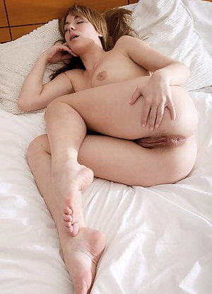 Free Big Ass Sleeping Porn Pictures